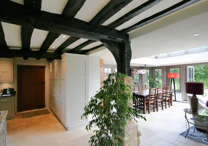 Heritage kitchen blends with Orangery in Bucks